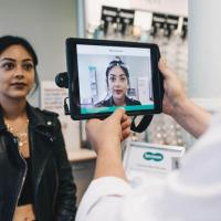 Specsavers virtual try on