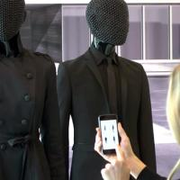 Mannequins use beacon technology to communicate with shoppers