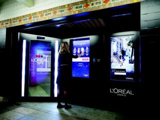 loreal digital vending machine