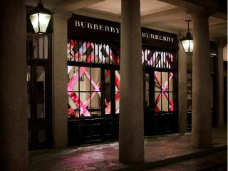 Burberry's new store introduces the digital nail bar and mobile POS