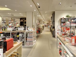Google Streetview continues to map UK retail stores