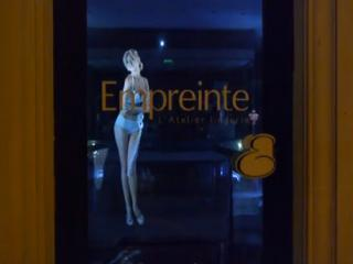 empreinte shop window hologram