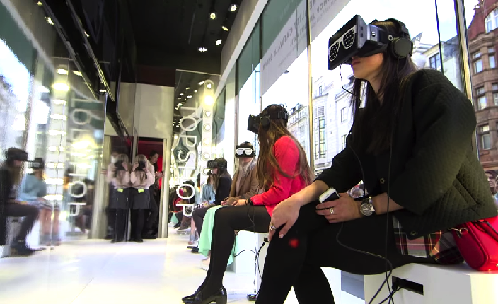 Topshop use Virtual Reality headsets for catwalk